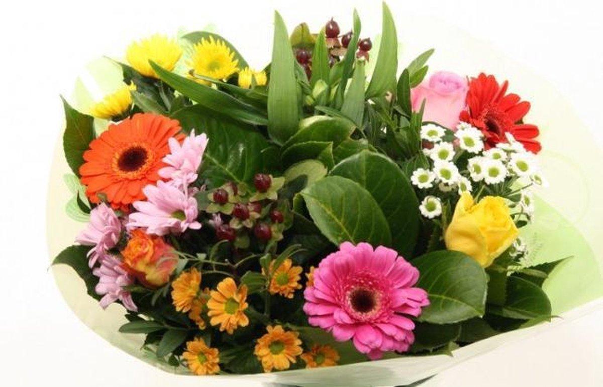 Biedermeier mix boeketje bloemen