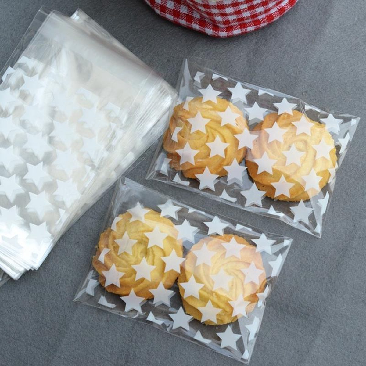100 Transparante Uitdeelcadeau Zakjes met Sterren - Uitdeelzakjes - Plastic - Wit Doorzichtig - 100