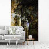Fotobehang vinyl - De Phong Nha-Ke Bang met het unieke gesteente waar de grot bekend om staat breedte 215 cm x hoogte 320 cm - Foto print op behang (in 7 formaten beschikbaar)