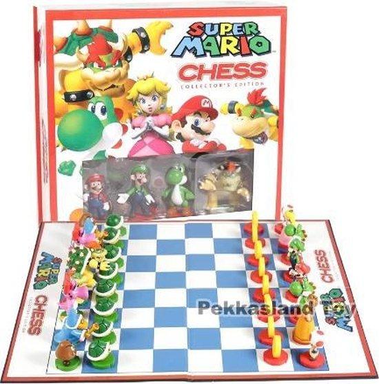Afbeelding van het spel Super Mario Schaakspel - Collector's Edition - Luigi - Schaken - Cadeau set Mario - Chess Game Mario
