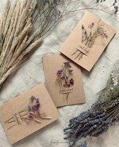 LoesieLoe wenskaart dryflower l   BEDANKT   l   15 x 21 cm XL  formaat - naturel - kaart - droogbloemen - gift -  duurzaam  l  SERVICE OPTIE: Bezorging bij ontvanger