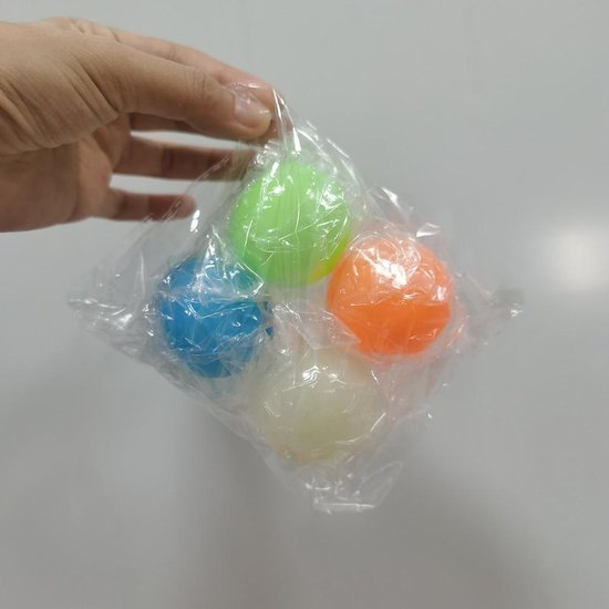 Thumbnail van een extra afbeelding van het spel Sticky Balls Fidget toys - Anti Stress bal - Glow in the dark – TikTok – Trend 2021 - 4 Balletjes!