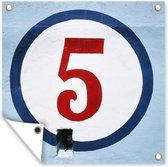 Een rode nummer 5 in een witte cirkel Tuinposter 100x100 cm - Tuindoek / Buitencanvas / Schilderijen voor buiten (tuin decoratie)