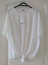 Wit dames t-shirt geknoopt M/L Wit dames t-shirt geknoopt M/L Dames T-shirt Maat M/L