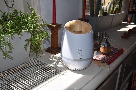 Airganix Space Cloud  - Luchtreiniger door ionisatie. Ioniseert minstens 80m2. Schone lucht in je huis op je werk en onderweg. Desinfecteert de ruimte waarin je leeft. Werkt uitstekend tegen hooikoorts, bacteriën, PM 2.5 (fijnstof) en schimmels.