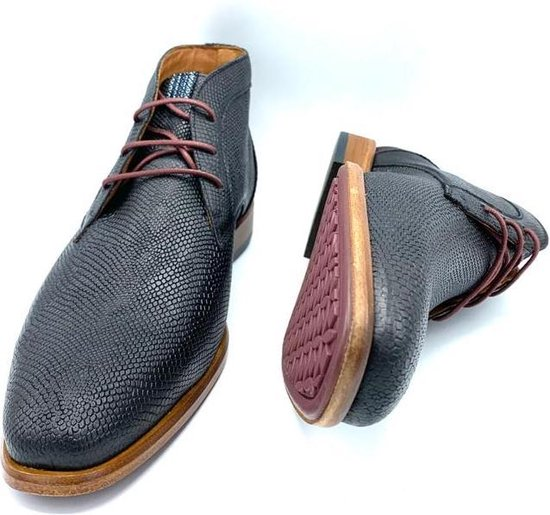 Australian Jordan Leather Maat 42