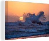 Ruige golven stortten zich op rotsformaties bij Cannon Beach canvas 90x60 cm - Foto print op Canvas schilderij (Wanddecoratie woonkamer / slaapkamer)