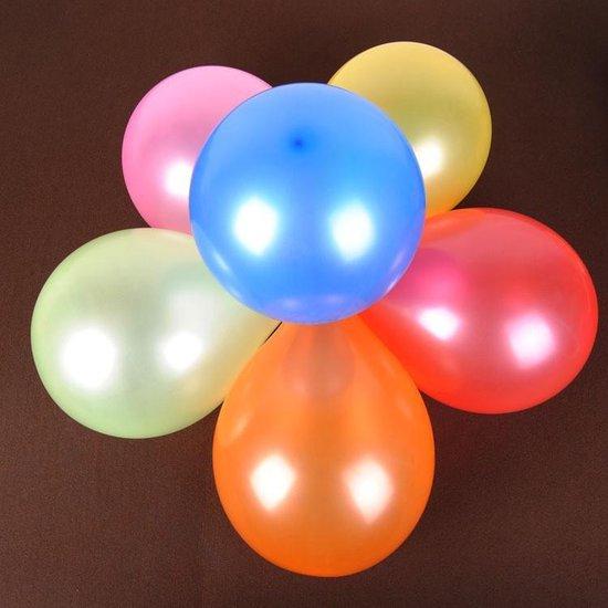 Ballon disc met 8 multi color ballonnen