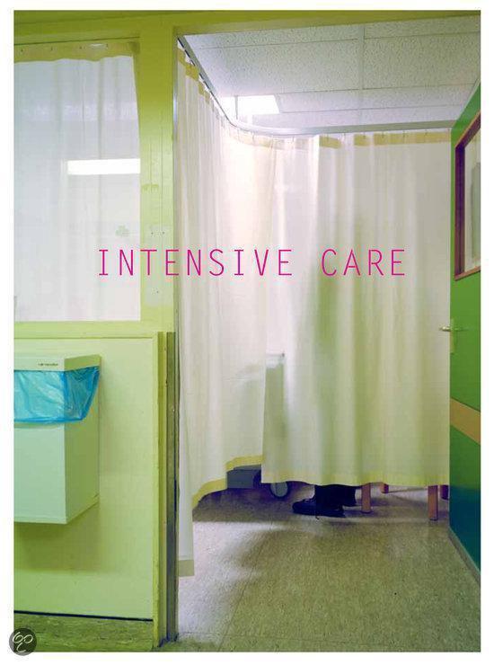 Intensive care - Andrea Stultiens |