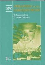 Boek cover Heron-reeks  -   Veiligheid in het laboratorium van H. Kramers-Pals