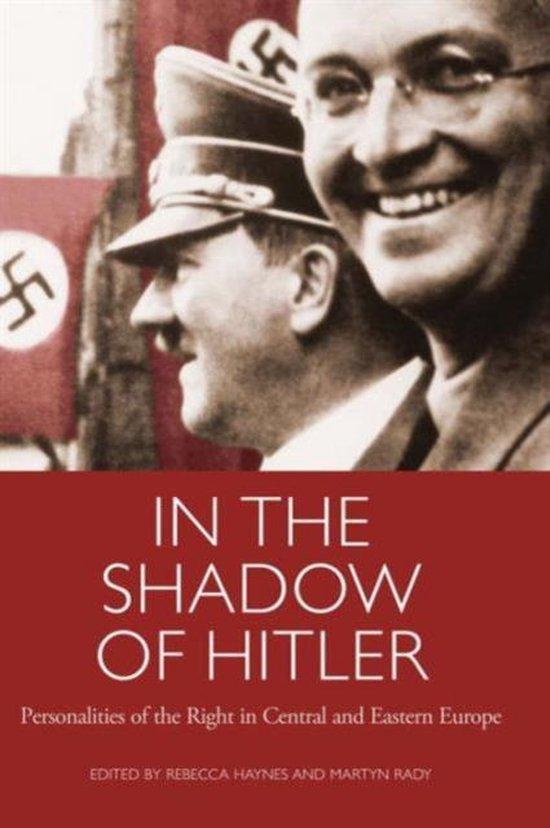 Boek cover In the Shadow of Hitler van Rebecca Haynes (Paperback)