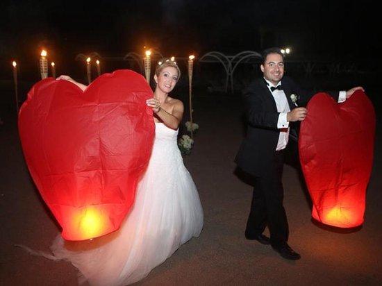 2 x Luxe Hartvormige Wensballonnen vliegende papieren lantaarns ufo ballon: : VOLANTERNA®