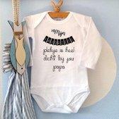 Baby Rompertje tekst | Mijn favoriete plekje is heel dicht bij jou papa | Lange mouw | wit zwart | maat 62/68 | cadeautje I love eerste Vaderdag cadeau bekendmaking zwangerschap aanstaande baby jongen meisje unisex