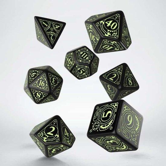 Afbeelding van het spel Steampunk Black & glow-in-the-dark Dice Set