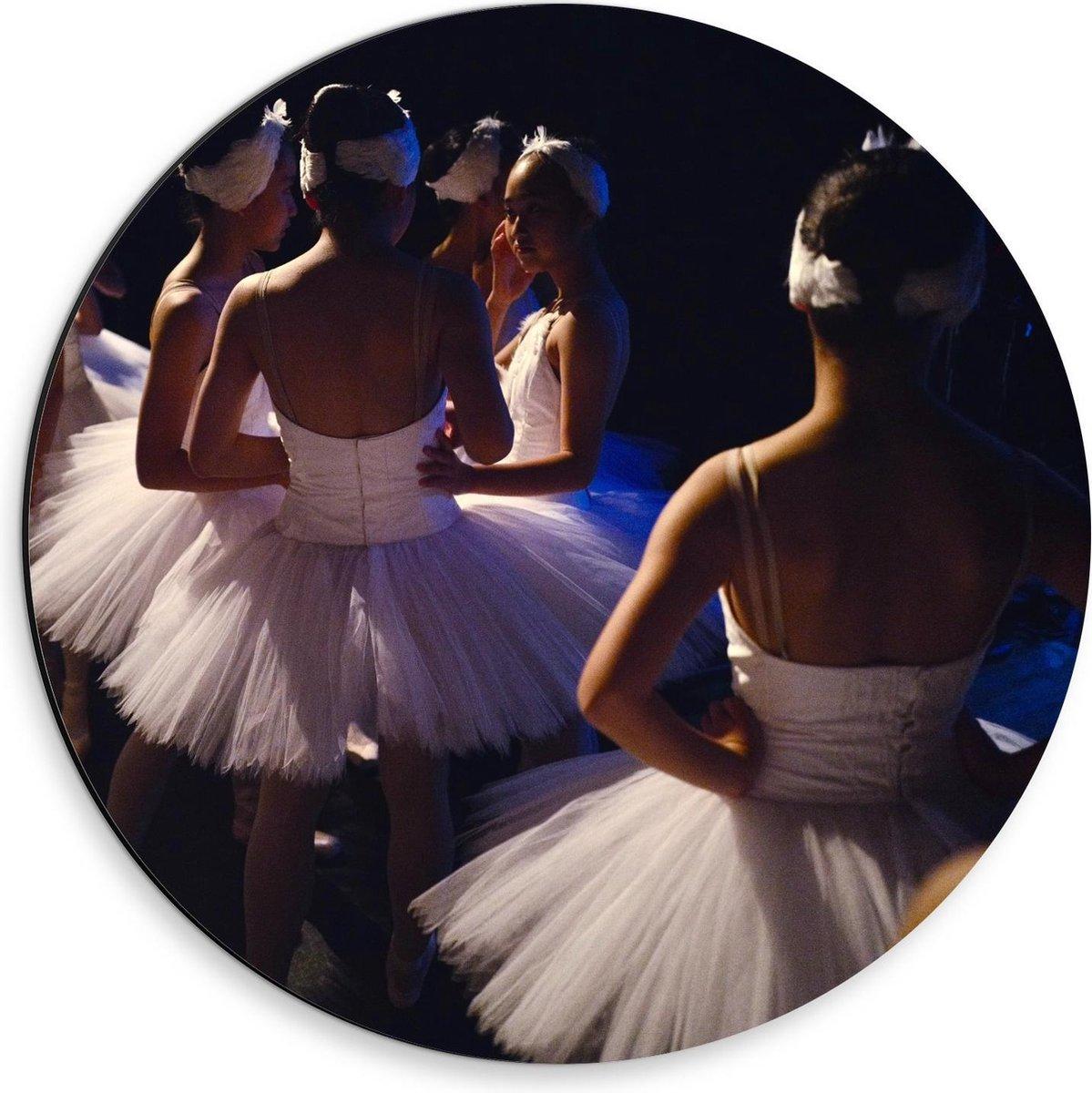 Dibond Wandcirkel - Ballerina's voor Optreden  - 30x30cm Foto op Aluminium Wandcirkel (met ophangsysteem)