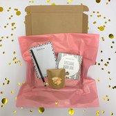 Brievenbus cadeau - Smile -Brievenbuspakket - Valentijn - Borrelpakket - Chocolade -Snoep - Vrouwen cadeau - Geschenkset vrouwen - Cadeaupakket - Cadeau - Giftset - Goedkope cadeautjes - Eten - Mama - Oma - Moeder - Cadeau voor vrouw - verjaardag