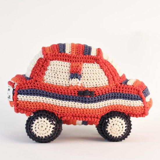 Anne Claire Petit knuffelauto met rammelaar - handgemaakt van organisch katoen