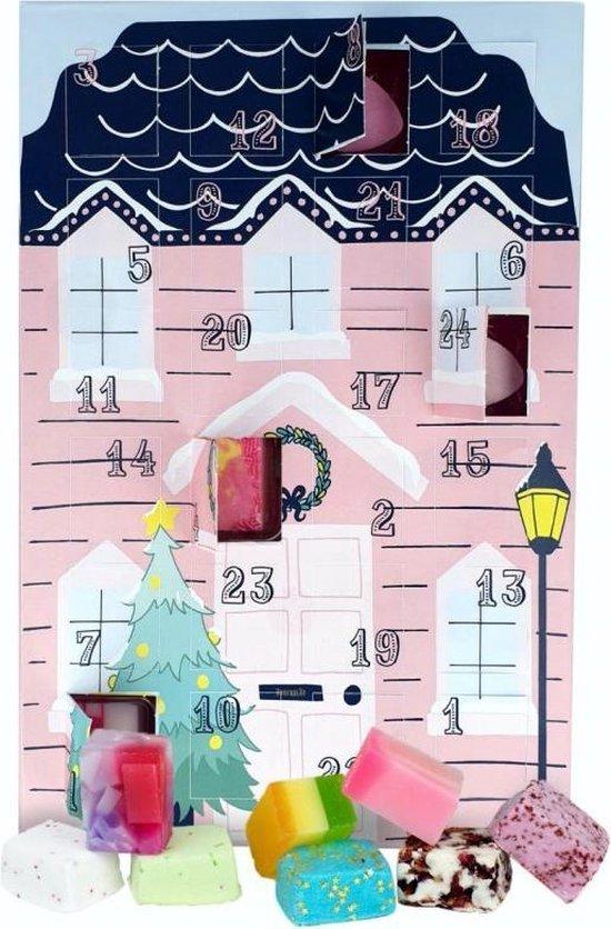"""Adventkalender """"Santa Stop Here"""" met badbruisballen, luxe zeepjes en bathmallows"""