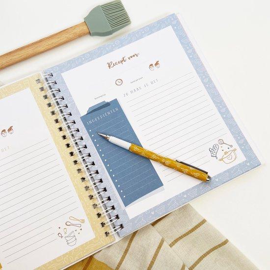 Mijn receptenboek - invulboek om recepten in te schrijven - inclusief stickervel