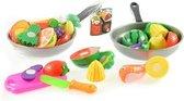 Koekenpan met etenswaren in net