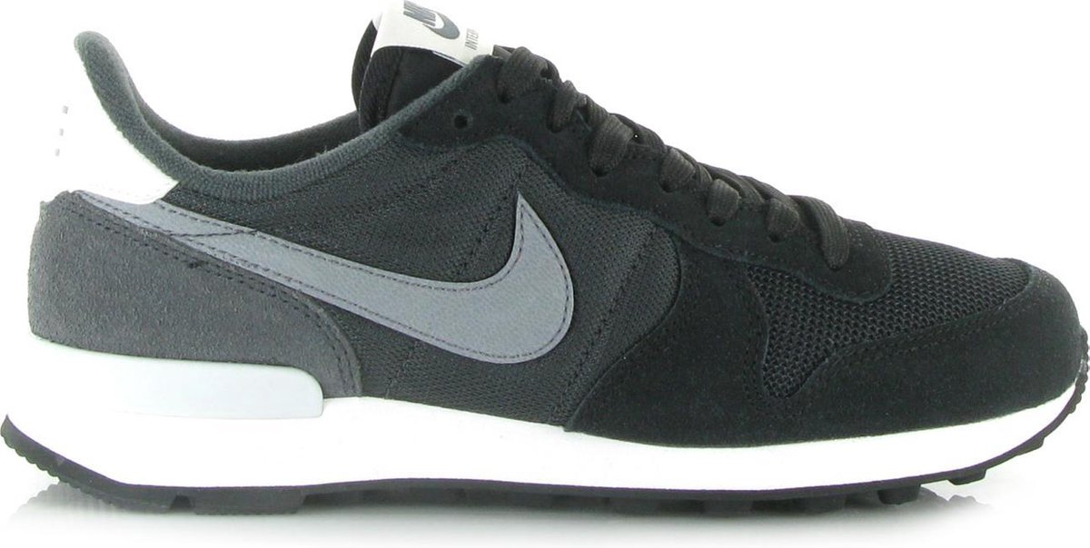 nike internationalist zwart leer