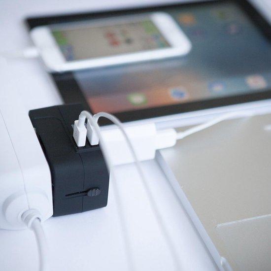 TravelMore Universele Wereldstekker met 2 USB Poorten – Zwart