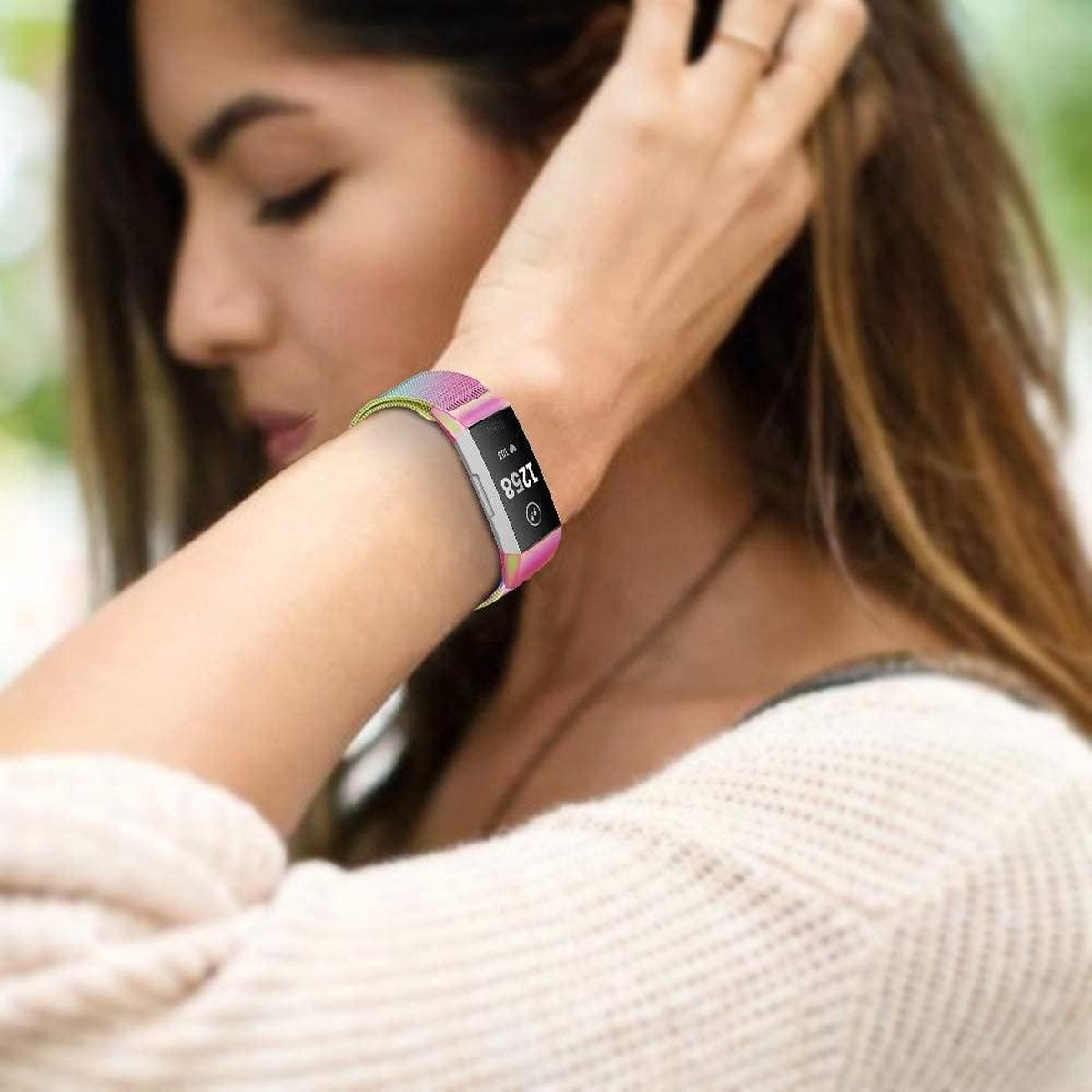 Fitbit Charge 4 Milanese band (regenboog) Small