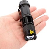 Mini zaklamp - CREE - Led zaklamp - 700 Lumen - Mini LED zaklamp met grote lichtbundel