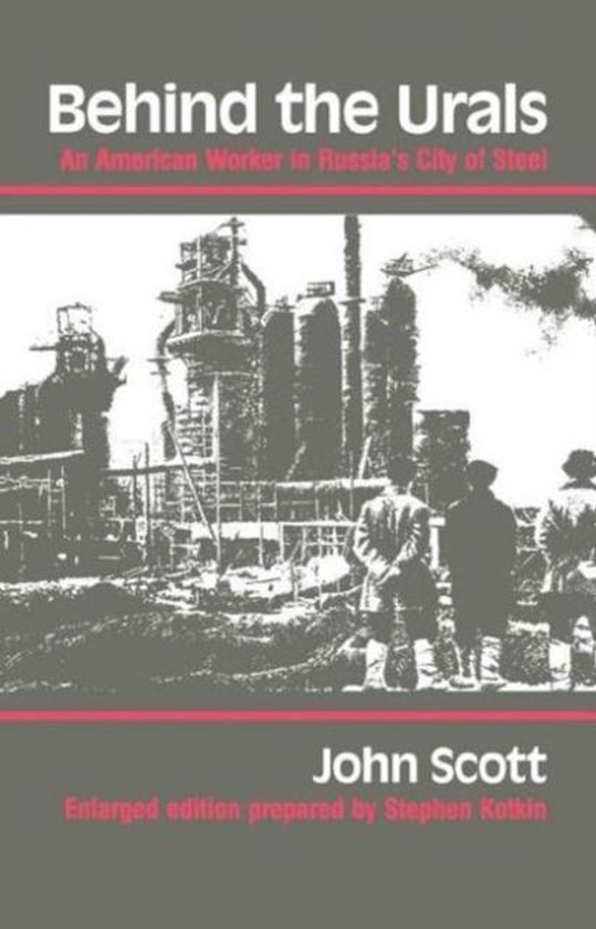 Boek cover Behind the Urals van John Scott (Paperback)