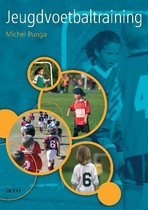 Boek cover Jeugdvoetbaltraining van Michel Punga