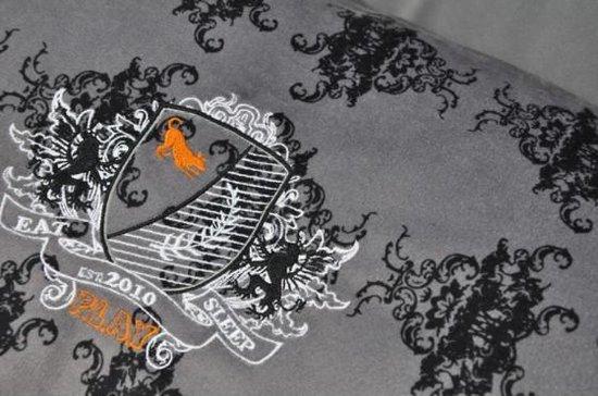 Royal Crest Lounge Bed Zwart maat M. P.L.A.Y.