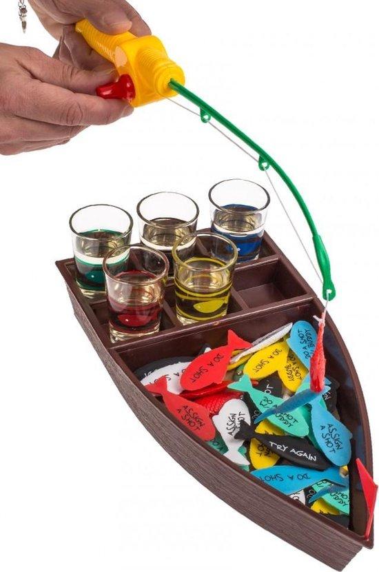 Afbeelding van het spel drinkspel, visvangst, met 4 shooterglazen