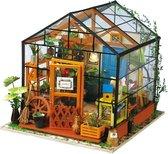 Robotime modelbouwpakket Cathy's Flower House hout/papier/kunststof - 195mm hoog x 175mm breed x 175mm diep - met lampje