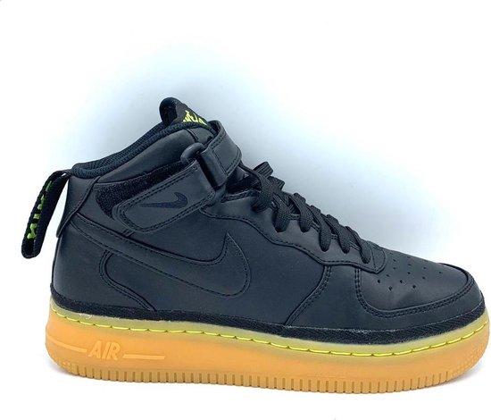 Nike Air Force 1 (Mid) Maat 38