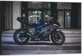 Dibond –Yamaha R6 motor– 120x80 Foto op Aluminium (Wanddecoratie van metaal)