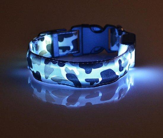 LED halsband voor hond - Verlichte halsband - Lichtgevende halsband –verkrijgbaar in maat M en L - Halsband LED - Hondenriem – camouflage