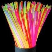 Glow in the dark stick 12 x 15 stuks - Totaal 180 stuks! - Maakt elk feestje compleet! - inclusief toebehoren! - Voor huwelijk /  verjaardag / feestjes en alle andere feestgelegenheden!