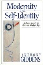 Omslag Modernity and Self-Identity