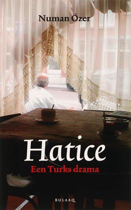 Cover van het boek 'Hatice' van N Özer