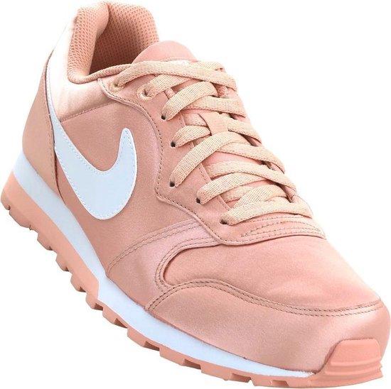 Nike MD Runner 2 Sneakers Dames - Coral Stardust/White - Maat 40 - Nike