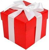 Rood cadeaudoosje met witte strik - 10 cm - kadodoosjes