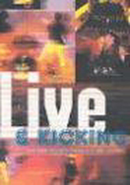 Boek cover Live and Kicking van Mark Cunningham (Paperback)