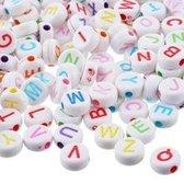 Gekleurde Acryl Letterkralen Mix 500 stuks (7 mm) - Ronde Veelkleurige Alfabet Kralen - Letterkralen Hobby