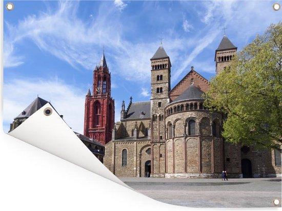 Historische gebouwen in Maastricht Tuinposter 40x30 cm - klein - Tuindoek / Buitencanvas / Schilderijen voor buiten (tuin decoratie)