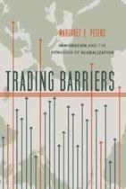 Boek cover Trading Barriers van Margaret Peters