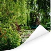 Japanse groene brug op een zomerdag in Monet's tuin in Frankrijk Poster 75x75 cm - Foto print op Poster (wanddecoratie woonkamer / slaapkamer)