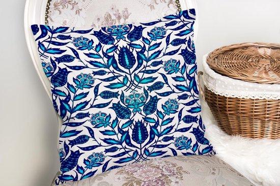 Decoratieve woonkamer sierkussen blauwe bloemen afmeting 45x45cm
