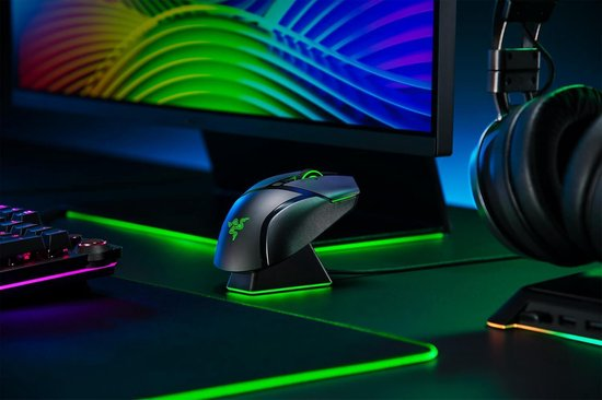Razer Basilisk Ultimate Chroma + Oplaadstation - Draadloze Optische Gaming Muis - 20000 DPI - Zwart