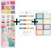 """Uitgebreid stickerpakket voor jouw planner, agenda of bullet journal, met vintagekleurige maandtabs, watertracker stickers en """"positiviteit die blijft plakken""""-stickers."""