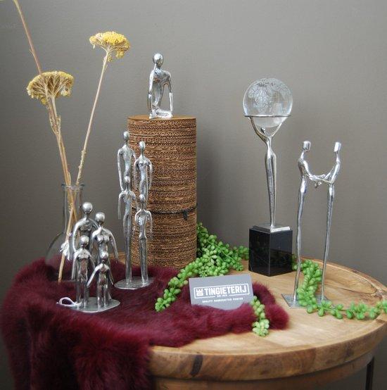 Sculptuur ''Het Gezin'' - Echtpaar + 3 Kinderen - Beeldje familie - klassiek - tinnen huwelijk - 10 jaar getrouwd